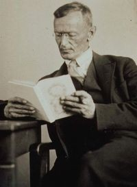 medium_200px-hermann_hesse_1927_photo_gret_widmann.jpg