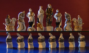 medium_24A_Russian_chess_set_porcelain_1921.JPG